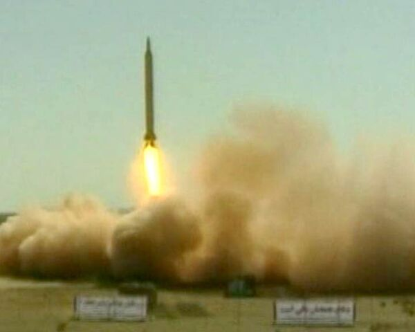 Иран произвел запуск ракет средней дальности Шахаб-3 и Саджиль