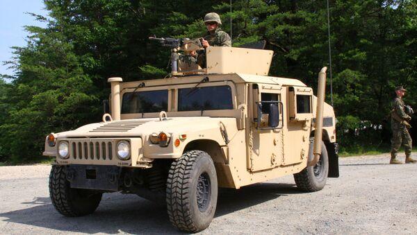 Военные джипы Hummer США. Архивное фото