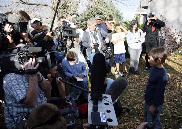 Шестилетний американский мальчик Фэлкон Хин, попавший в центр внимания мировых СМИ из-за инцидента с самодельным воздушным шаром