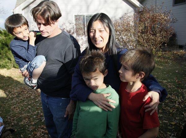 Фэлкон Хин в кругу семьи