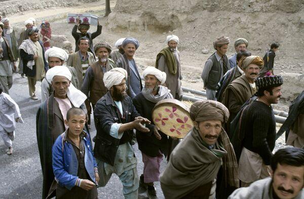 Жители Демократической Республики Афганистан во время выборов