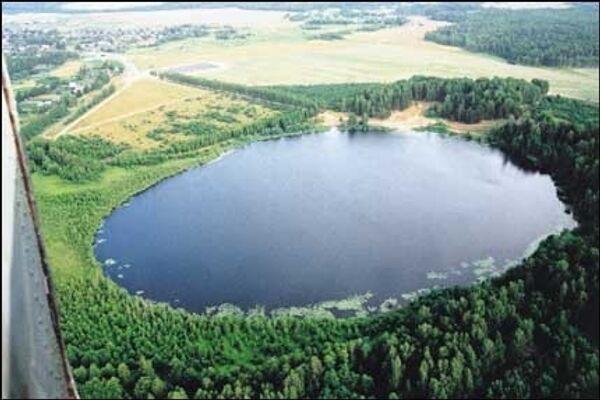 Вид озера Светлояр с вертолета