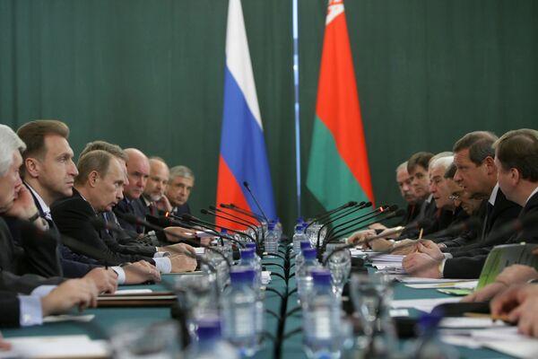Переговоры по поставкам нефти в Белоруссию возобновятся в Москве