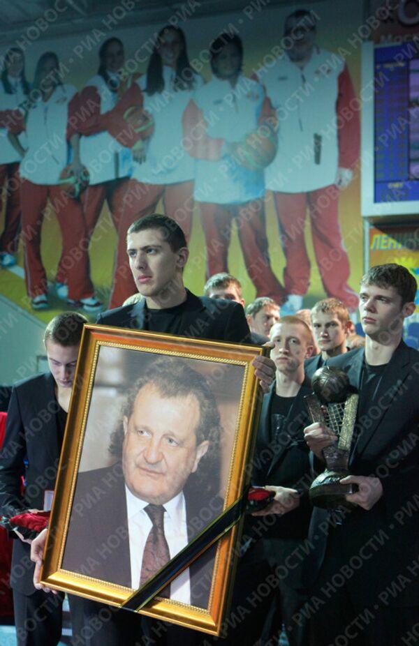Прощание с Шабтаем Калмановичем в подмосквном Видном