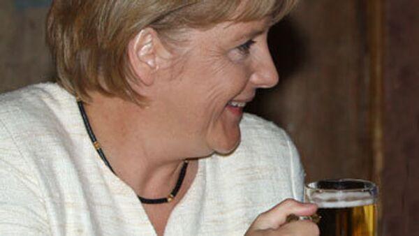 Меркель на Рождество приготовит гуся, а глава МИД займется дайвингом