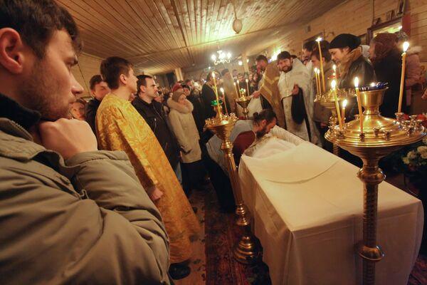 Прощание с отцом Даниилом Сысоевым прошло в Храме апостола Фомы на Кантемировской улице