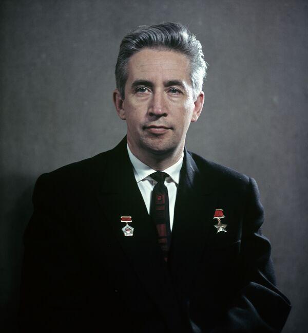 Герой Советского Союза Константин Феоктистов. Архивное фото