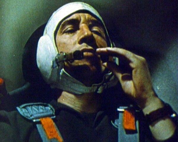 Феоктистов совершает полет на космическом корабле Восход, 1964 год