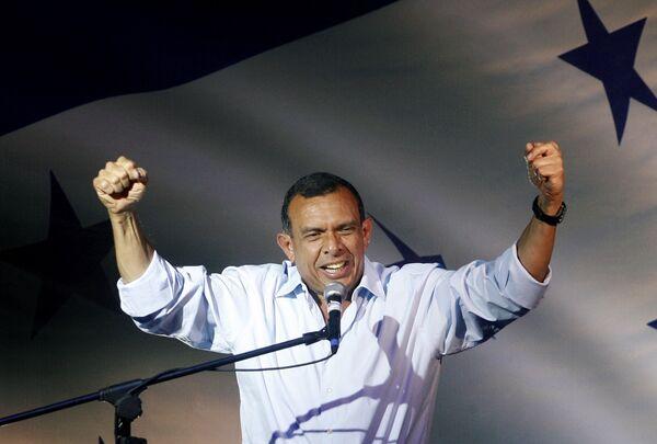 Порфирио Лобо получил большинство на выборах в Гондурасе