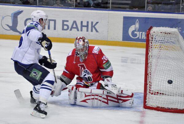 Хоккеисты Динамо упустили инициативу в матче с Локо - тренер