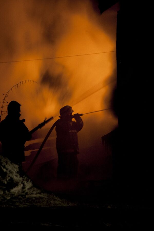 Магазин горит на севере Москвы