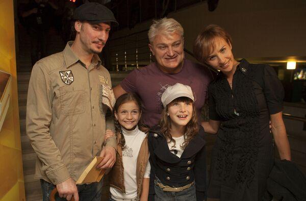 Владимир Турчинский с семьей