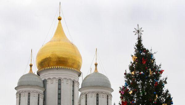 Главная новогодняя елка России на Соборной площади в Кремле. Архив