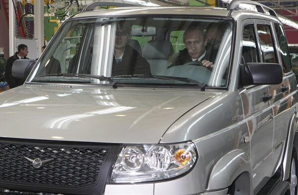Премьер-министр РФ Владимир Путин посетил автомобильный завод СОЛЛЕРС – Дальний Восток