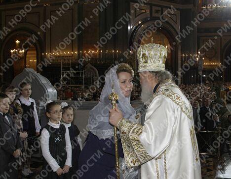 Супруга президента РФ С.Медведева на рождественском богослужении в храме Христа Спасителя