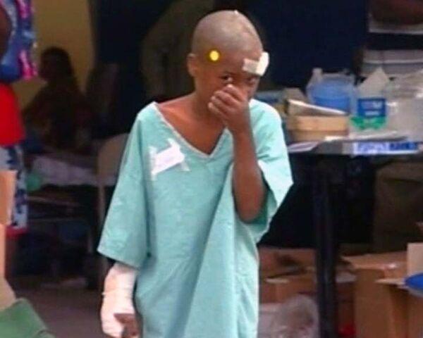 Временные медицинские пункты на Гаити переполнены