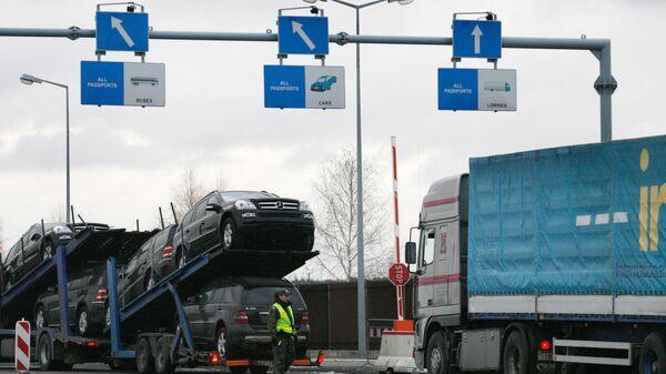 Очереди из грузовиков перед таможней в Польше