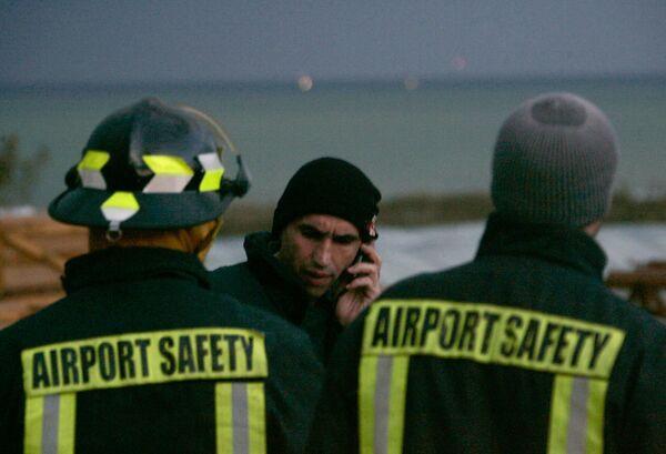 Служба безопасности ливанского аэропорта на месте крушения самолета компании Ethiopian Airlines