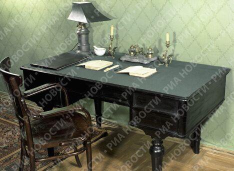 Рабочий стол писателя Чехова