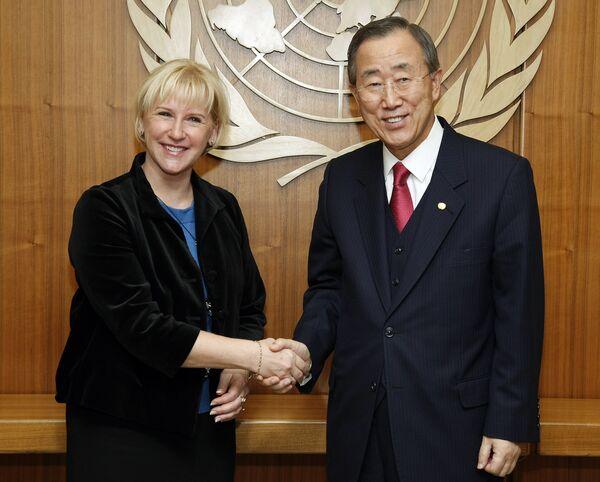 Спецпредставитель генерального секретаря ООН по борьбе с сексуальным насилием в вооруженных конфликтах Маргот Вальстрём и генсек ООН Пан Ги Мун