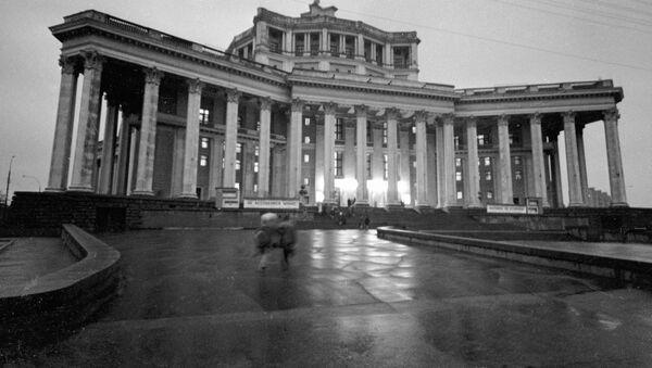 Здание Центрального театра Советской Армии (сейчас Российской армии). Фото 1971 года