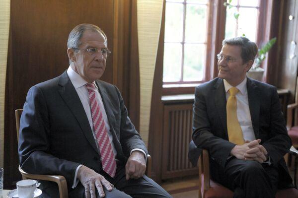 Встреча глав МИД России и Германии С. Лаврова и Г. Вестервелле. Архив