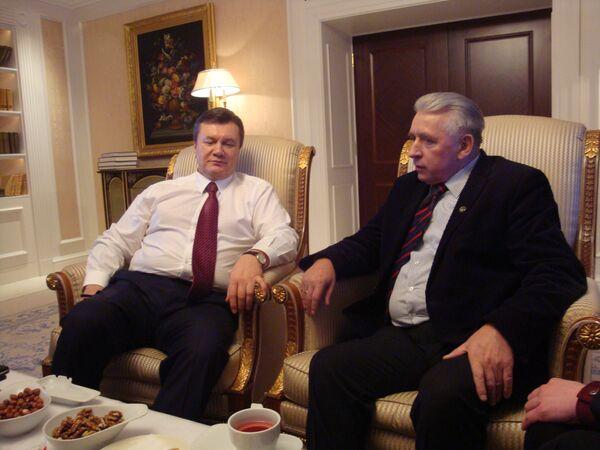 Анджей Леппер и Виктор Янукович