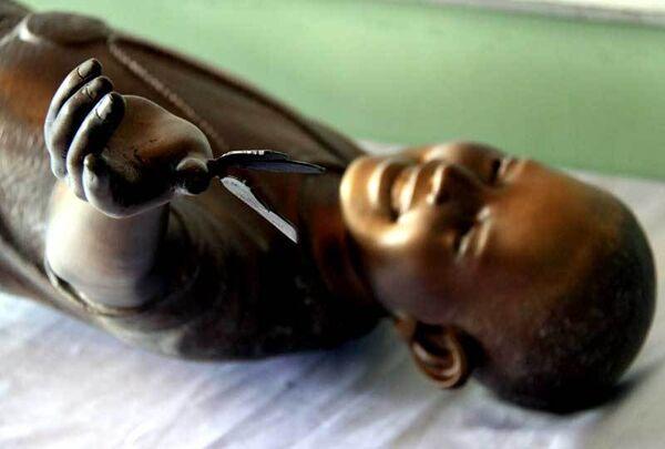 Статуя Барака Обамы