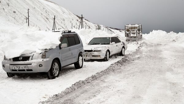 Расчистка автодорог на Сахалине. Архивное фото