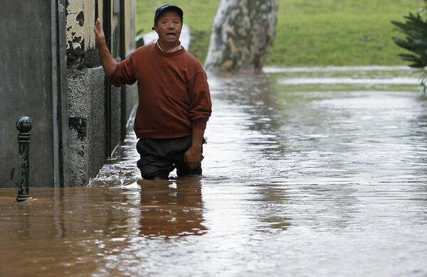 Проливные дожди привели к наводнениям и оползням на острове Мадейра