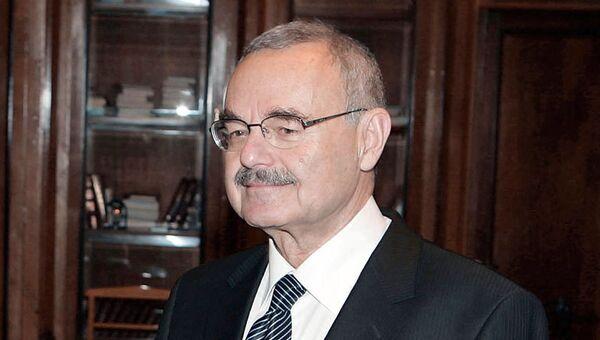 Премьер-министр Азербайджана Артур Расизаде. Архив