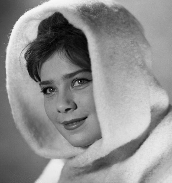 Актриса Голубкина