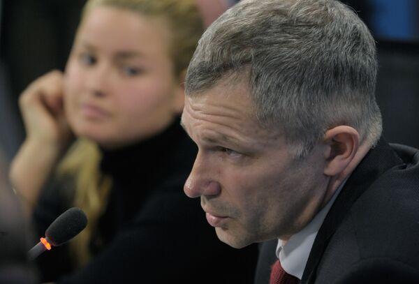 Пресс-конференция на тему: ДТП на Ленинском проспекте: закон для всех един? в агентстве РИА Новости