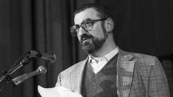 Писатель Горин читает свой рассказ