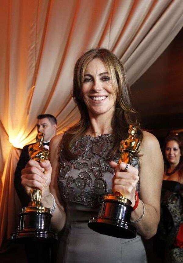 Режиссер фильма Повелитель бури Кэтрин Бигелоу на вручении Оскара