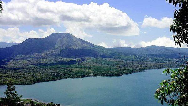 Вулкан на острове Бали. архивное фото