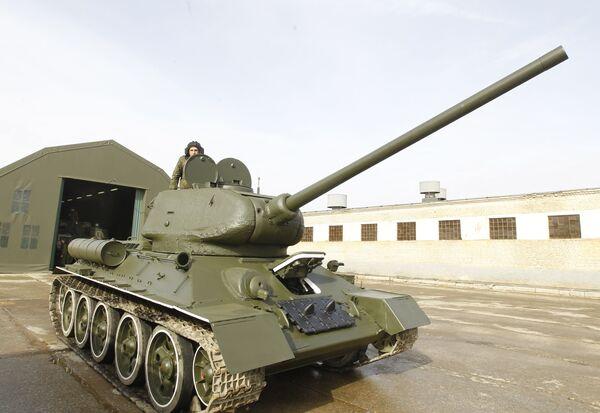Легендарный танк Т-34. Архив