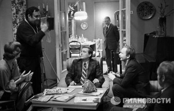 Рязанов, Басилашвили и Мягков на съемках фильма Служебный роман