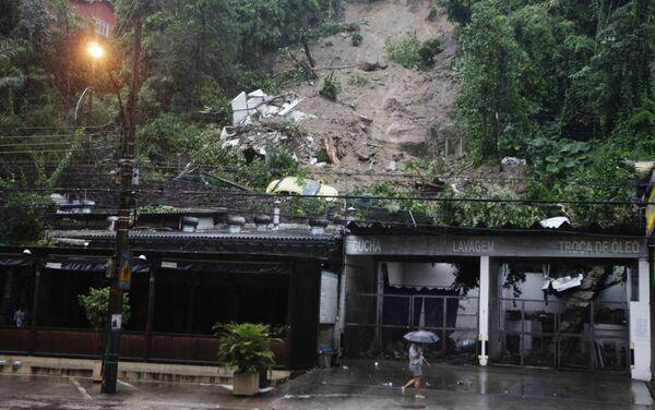 Оползни, вызванные наводнением в Рио-де-Жанейро