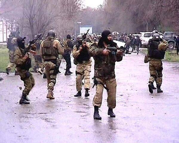 Массовые столкновения оппозиции с органами правопорядка в Бишкеке