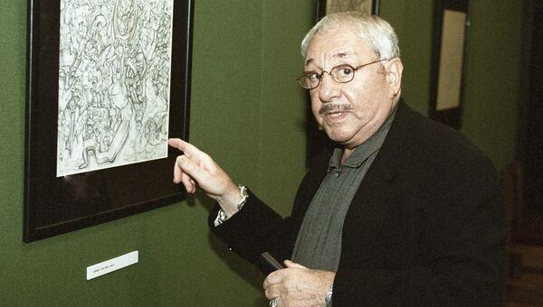 Скульптор и график Эрнст Неизвестный на выставке своих работ