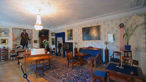 Открытие Музея - квартиры Федора Шаляпина после реконструкции. Архивное фото
