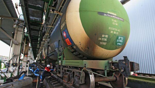 Пошлина на экспорт нефти в феврале снизится до $393,7