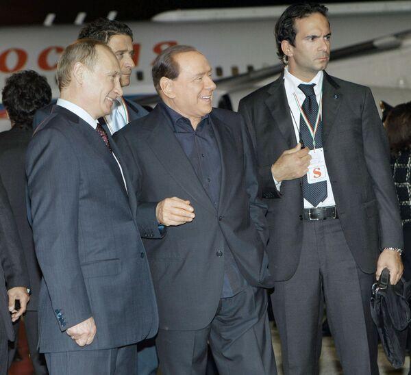 Премьер-министр России Владимир Путин и председатель совета министров Италии Сильвио Берлускони. Архив