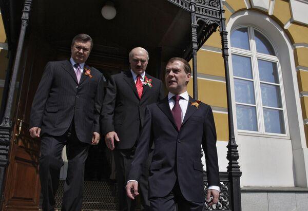 Президент РФ Д.Медведев встретил лидеров Белоруссии и Украины в Кремле