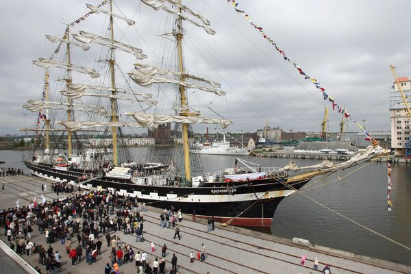 Прибытие барка Крузенштерн в Калининград