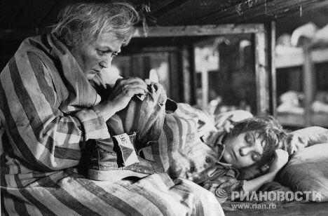 Актрисы Людмила Касаткина и Наталья Бондарчук на съемках фильма Мать Мария