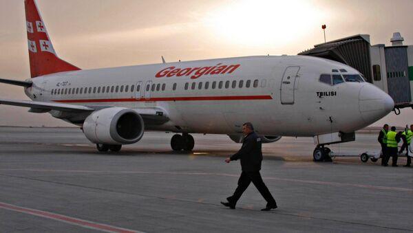 Самолет грузинской авиакомпании Грузинские авиалинии. Архивное фото