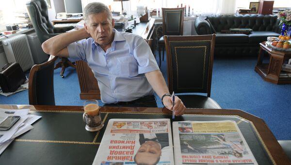 Главный редактор газеты Комсомольская правда В.Сунгоркин. Архив