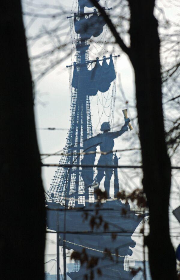 Памятник Петру Великому Зураба Церетели